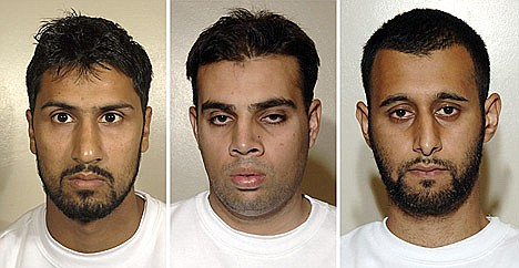 3 UK Muslims have pleaded guilty of conspiracy to explode bombs on transatlantic flights